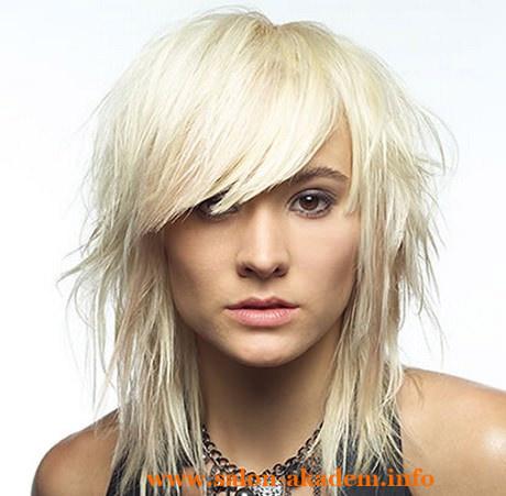 Каскад на средние волосы классический