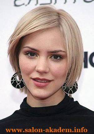 Фото удлиненное каре с косой челкой для круглого лица