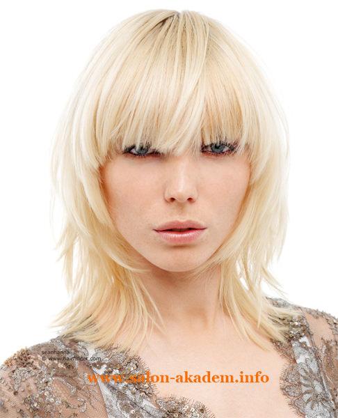 Стрижка рапсодия на средние волосы с челкой