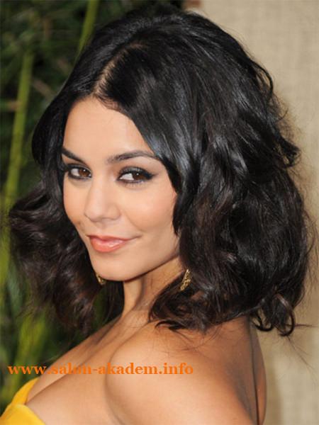 Длинный боб для волнистых волос