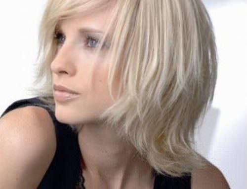 Прическа каскад с челкой на средние волосы